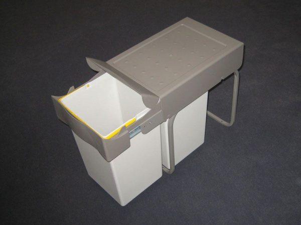 Bundmonteret affaldssystem